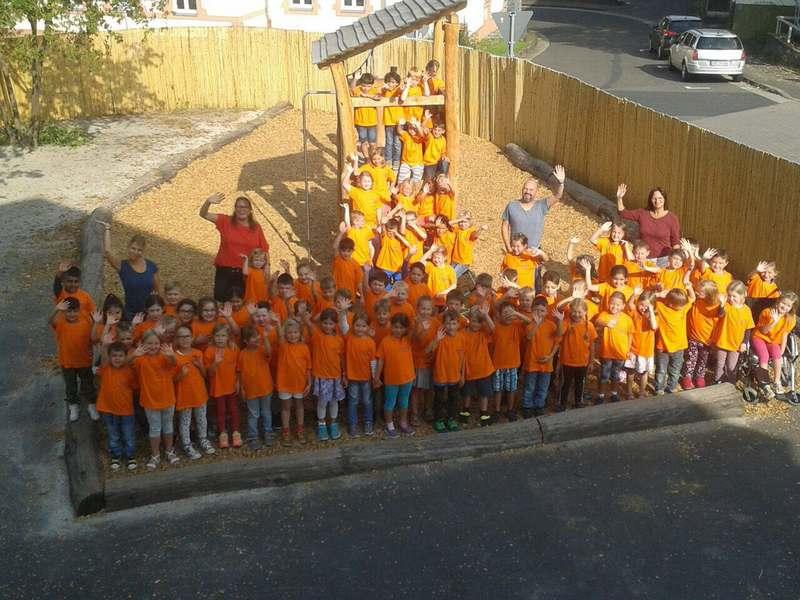 Neu gestalteter Schulhof an der Ibell 2 Schule